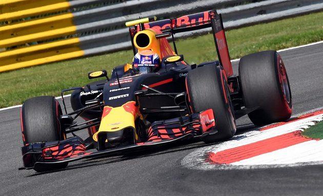 Max Verstappen během kvalifikace v Belgii.