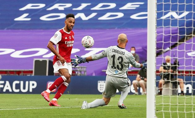 Pierre-Emerick Aubameyang se postaral i o druhou branku Arsenalu