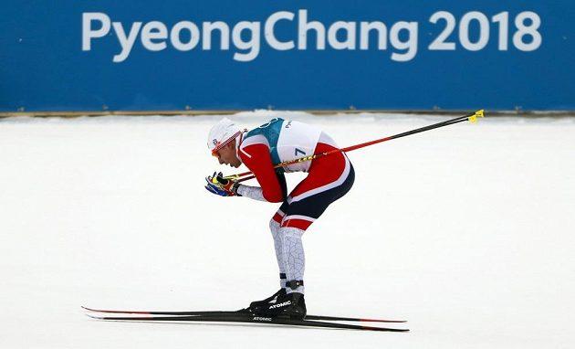 Novopočený norský olympijský vítěz Simen Hegstad Krüger v závodě ve skiatlonu na olympijských hrách v Pchjongčchangu.