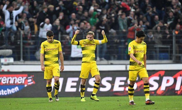 Tak tohle nevyšlo, Borussia Dortmund podlehla v německé fotbalové lize Hannoveru 2:4.
