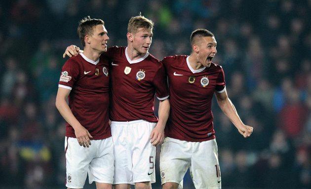 Hráči Sparty Praha oslavují vítězství po utkání 19. kola Gambrinus ligy nad Plzní. Zleva Bořek Dočkal, Jakub Brabec a Pavel Kadeřábek.