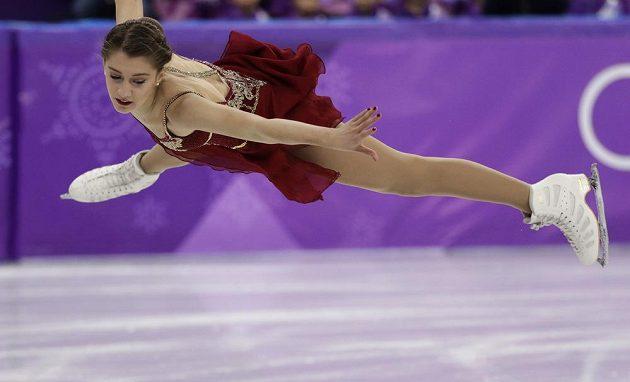 Švýcarka Alexia Paganiniová při volné jízdě olympijského závodu.