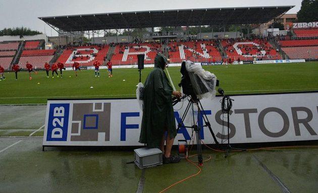 Podmáčené hřiště nedovolilo sehrát zápas Brna se Slavií.