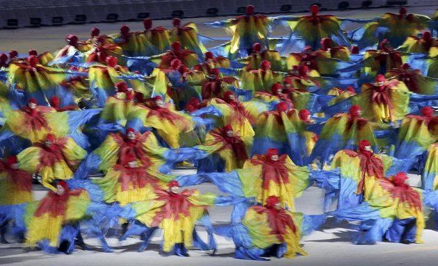 Taneční kreace při slavnostním zakončení OH v Riu.