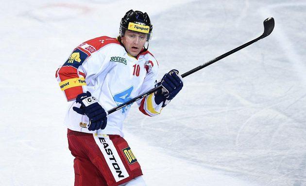 Olomoucký útočník Pavel Patera během utkání 7. kola Tipsport extraligy na ledě Sparty.