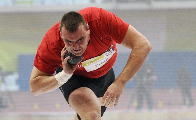 Český koulař Ladislav Prášil během mezinárodního halového mítinku Prague Indoor.