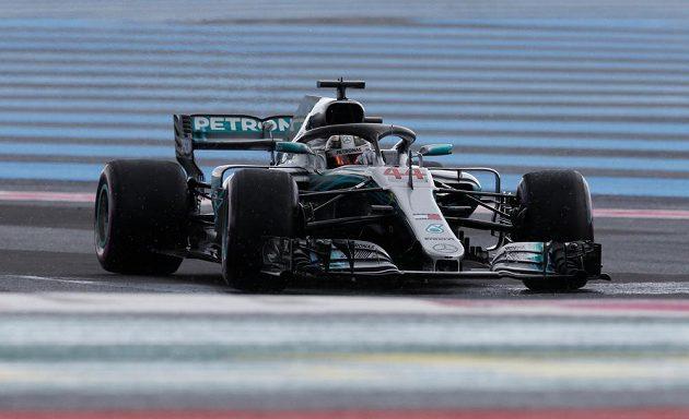 Lewis Hamilton během kvalifikace na Velkou cenu Francie.