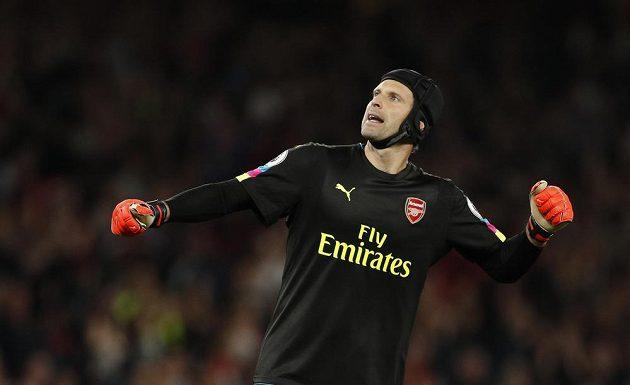 Brankář Arsenalu Petr Čech vychytal proti svému bývalému klubu Chelsea čisté konto.