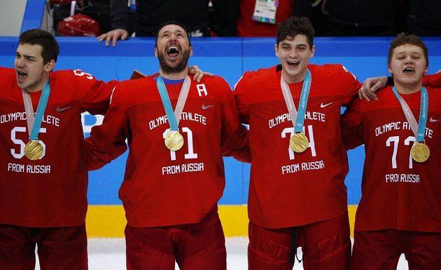 Zapěli si z plných plic... Zleva Bogdan Kiselevič, Ilja Kovalčuk, Nikolaj Prochorkin a Kirill Kaprizov.