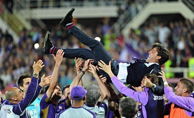 Podobné radostné chvíle už Vincenzo Montella s hráči Fiorentiny neprožije.