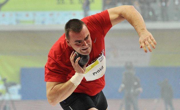 Koulař Ladislav Prášil během halového mítinku Prague Indoor.