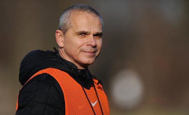 Trenér Sparty Praha Vítězslav Lavička během prvního tréninku zimní přípravy.
