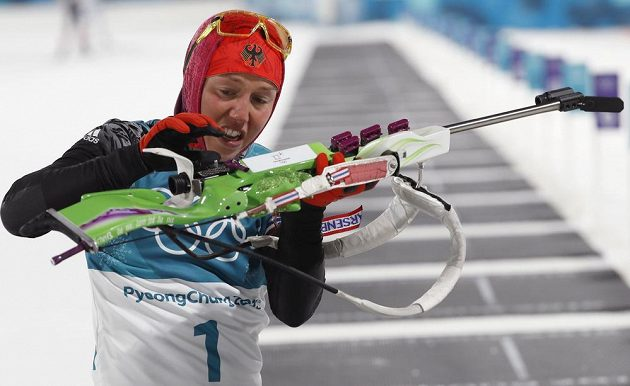 Suverénní Němka Laura Dahlmeierová ovládla na ZOH i stíhací závod.