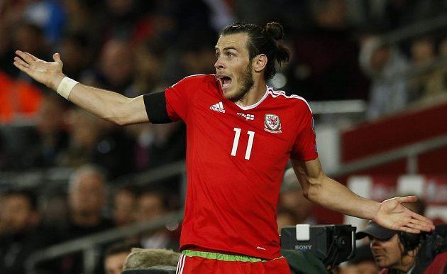 Gareth Bale z Walesu při utkání s Gruzií.