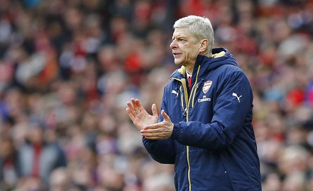 Trenér Arsenalu Arséne Wenger během zápasu 26. kola anglické Premier League proti Leicesteru.