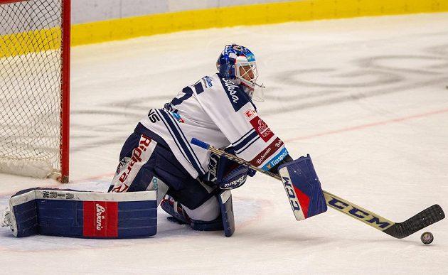 Hokejový brankář Vítkovic Miroslav Svoboda.