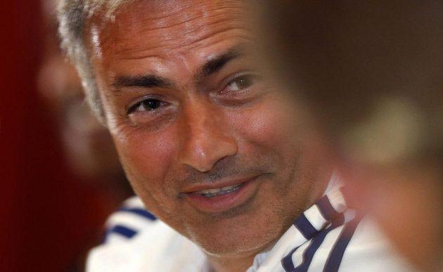Přeřeknutí skotské moderátorky se musel zasmát i kouč Chelsea José Mourinho.