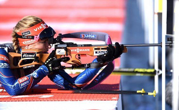 Gabriela Soukalová na střelnici během sprintu v rámci SP v Novém Městě na Moravě.