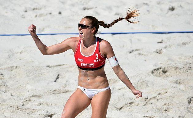 Kristýna Kolocová během semifinále v Praze.