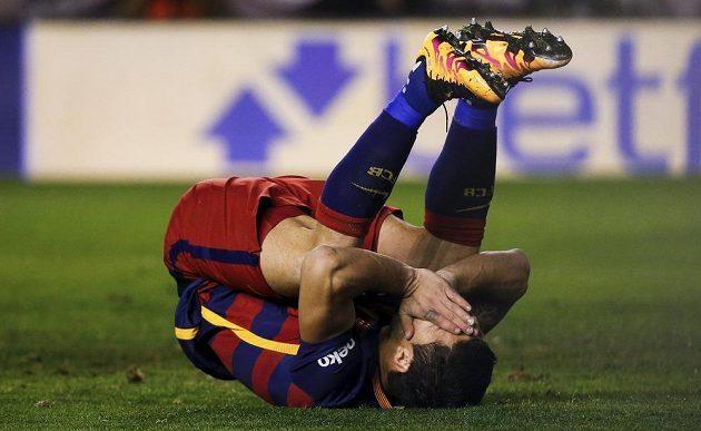 Reakce barcelonského útočníka Luise Suáreze po neproměněné penaltě proti Vallecanu.