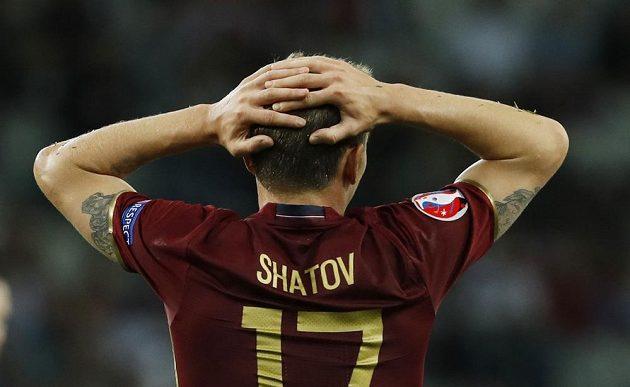 Reakce ruského záložníka Olega Šatova po inkasovaném gólu v zápase se Slovenskem.