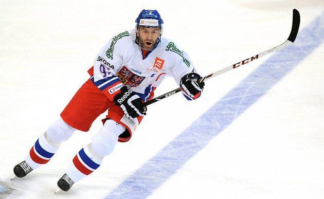 Český útočník Petr Nedvěd během utkání Channel One Cupu proti Finsku.