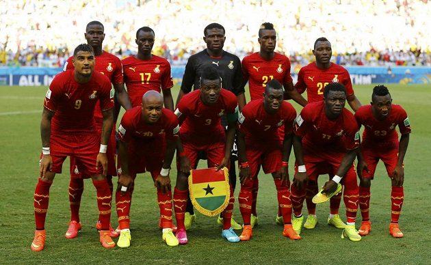 Týmová fotografie Ghany před duelem s favorizovaným Německem.