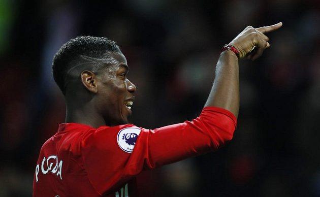 Záložník Manchesteru United Paul Pogba slaví vítězství nad Middlesbrough.