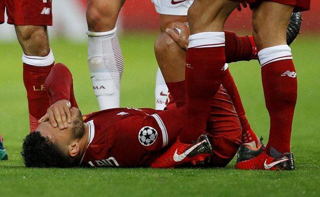 Alex Oxlade-Chamberlain z Liverpoolu musel semifinálovou partii Ligy mistrů kvůli zranění záhy opustit.