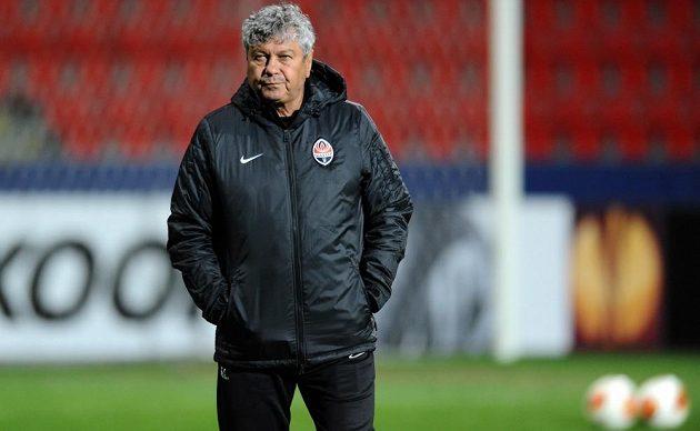 Zkušený trenér Šachtaru Doněck Mircea Lucescu během tréninku před utkáním s Plzní.