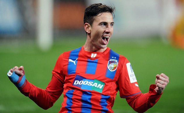 Plzeňský záložník Milan Petržela oslavuje druhý gól do sítě Liberce.