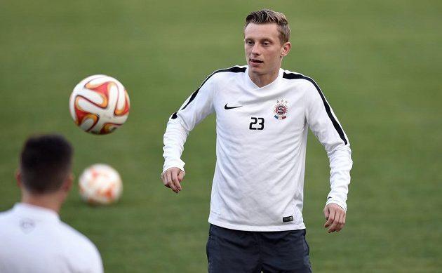 Sparťan Ladislav Krejčí během na tréninku před utkáním základní skupiny Evropské ligy s Bernem.