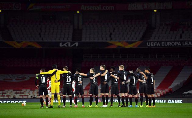 Fotbalisté Slavie před zápasem s Arsenalem