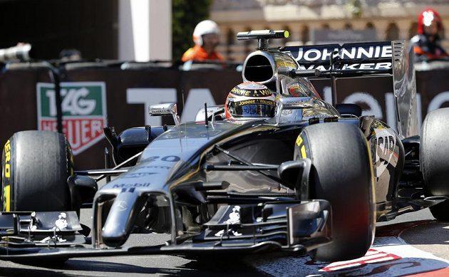 Dánský pilot Kevin Magnussen při kvalifikaci na Velkou cenu Monaka.