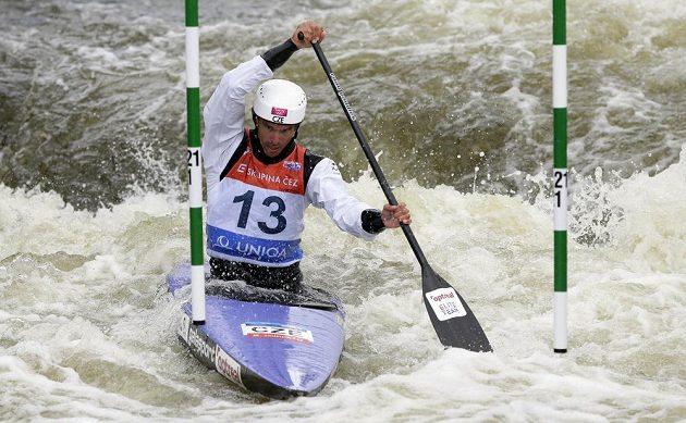 Stanislav Ježek ve finále SP ve vodním slalomu v Praze.