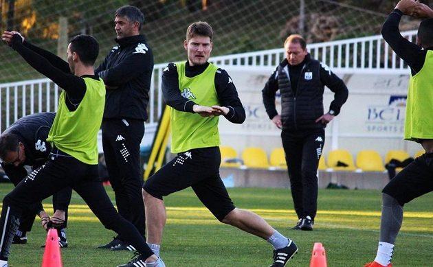 Pavel Dreksa při tréninku Něftči Baku.