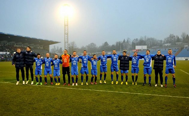 Fotbalisté Baníku slaví výhru nad Hradcem Králové.