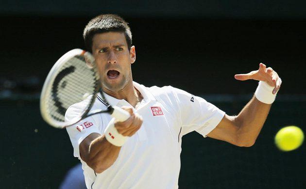 Srb Novak Djokovič v semifinále Wimbledonu.