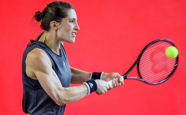 Andrea Petkovicová v souboji s Petrou Kvitovou.