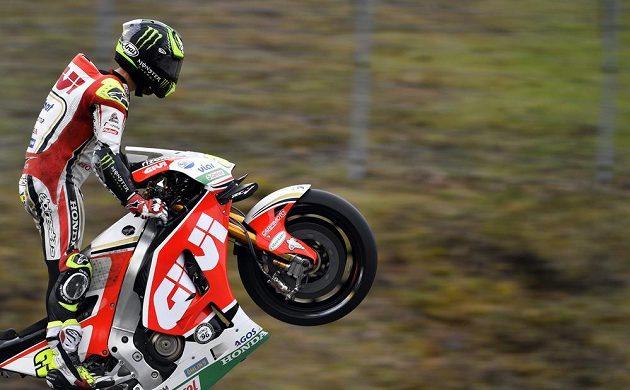 Britský motocyklista Cal Crutchlow ovládl Velkou cenu České republiky v královské kategorii MotoGP.