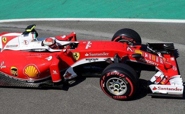 Kimi Räikkönen na okruhu v Belgii.