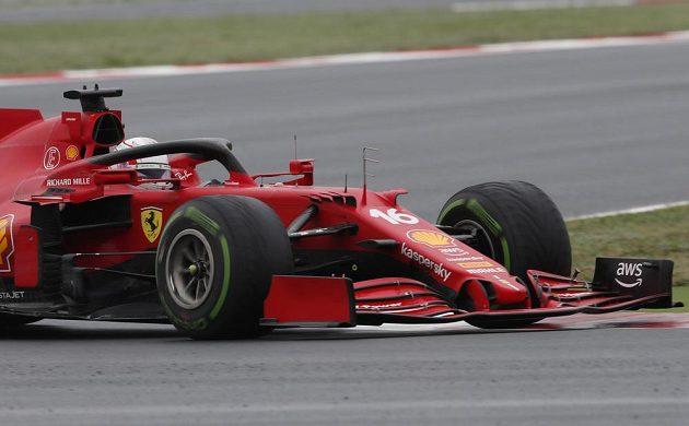 Pilot Ferrari Charles Leclerc v akci