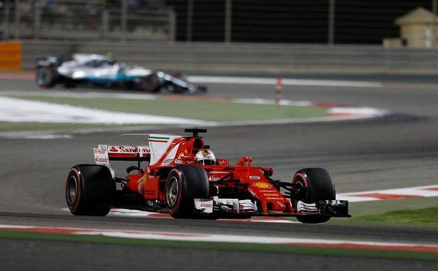 Sebastian Vettel v Bahrajnu ujel všem.
