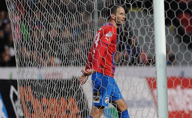Plzeňský útočník Marek Bakoš během utkání se Slavií.
