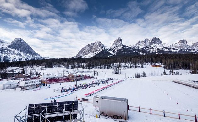 Krásné scenérie kanadského Canmore, kde se od čtvrtka konají další závody v biatlonu.