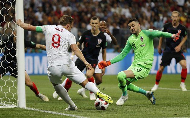 Dosavadní nejlepší střelec MS Harry Kane měl v první půli semifinále s Chorvatskem v koncovce smůlu.
