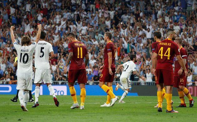 Isco právě vstřelil vedoucí gól Realu proti AS Řím.