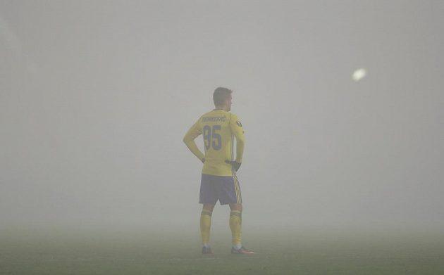 Mirzad Mehanovič ze Zlína v mlžném oparu.