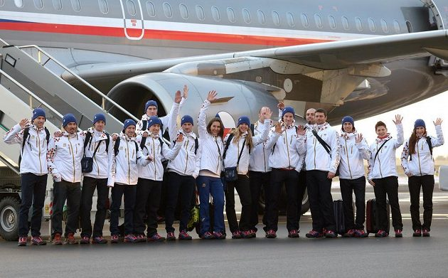 Druhá část české olympijské výpravy před odletem do Soči na Zimní olympijské hry na kbelském letišti.