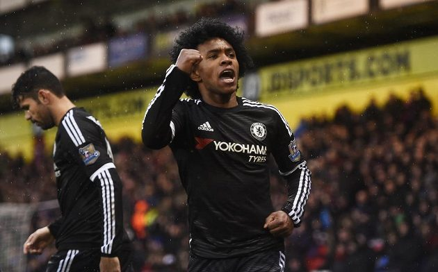 Willian jásá, dal druhý gól Chelsea proti Crystal Palace.